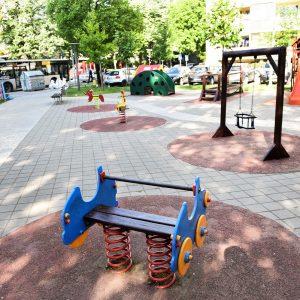 Дјечије игралиште у Булевару цара Душана у новом руху