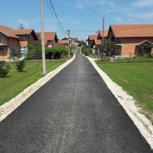 Нови асфалт за Чокоре и Драгочај