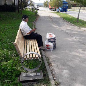 """""""Грађанска патрола"""": Нове клупе на Булевару Милутина Миланковића"""