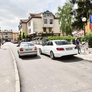 Нови асфалт и измјена режимa саобраћаја у Улици Ивана Фрање Јукића