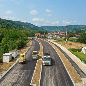 Асфалтирана нова дионица Источног транзита