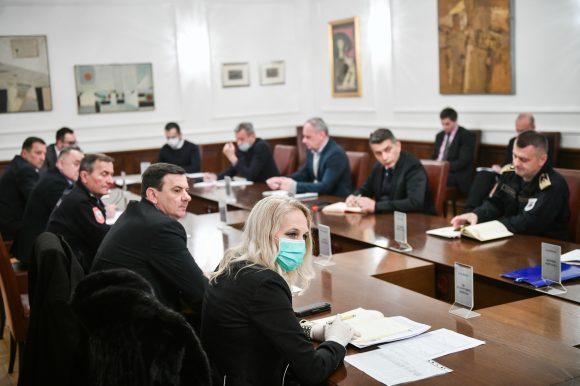 Градски штаб: Усвојене нове рестрикције и ограничења