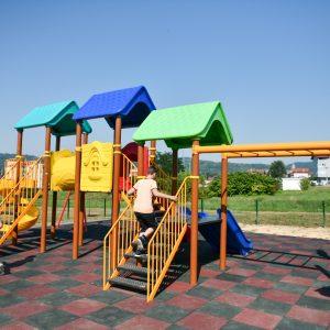 Ново дјечије игралиште у насељу Ада