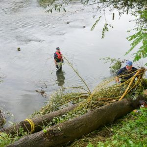 Vatrogasci i Civilna zaštita čistili korito Vrbasa u Trapistima