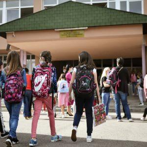 Амиџић: Поштујмо мјере превенције како би ученици остали у школама