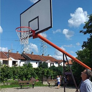 Обновљено више дјечијих и спортских игралишта