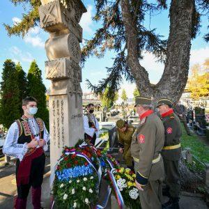 Положени вијенци на споменик жртвама Велеиздајничког процеса