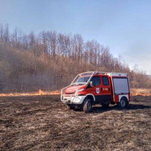 Пуне руке посла за ватрогасце: Гасили 12 пожара ниског растиња и шуме
