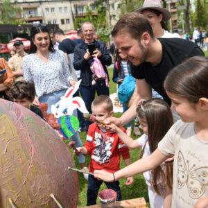 """Креативност и традиција: Малишани фарбали јаја у Парку """"Петар Кочић"""""""