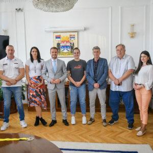 """Кошаркашице """"Орлова"""" освојиле троструку круну: Пријем код градоначелника"""
