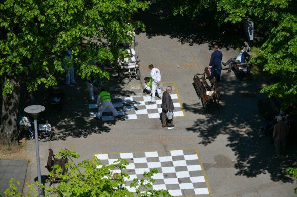 Oбновљена шаховска табла у центру града