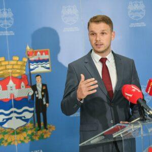 Градоначелник: Србија ће подржати градњу школе у Ади са 2,2 милиона евра