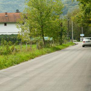 Нови асфалт на дионици пута Десна Новоселија – Карановац