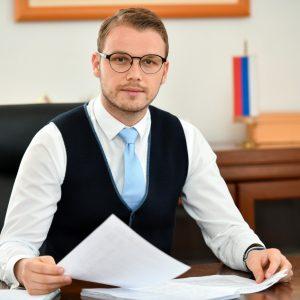 Градоначелник честитао Дан српског јединства, слободе и националне заставе