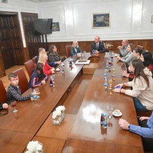 У Градској управи уприличен пријем за дјецу са Косова и Метохије