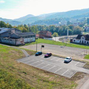 Карановац: Изграђен паркинг поред школе, побољшана безбједност ученика