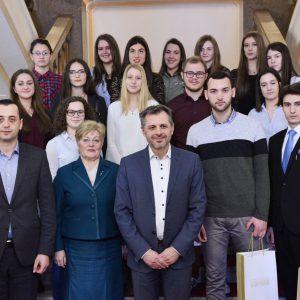 Светосавске награде уручене и средњошколцима
