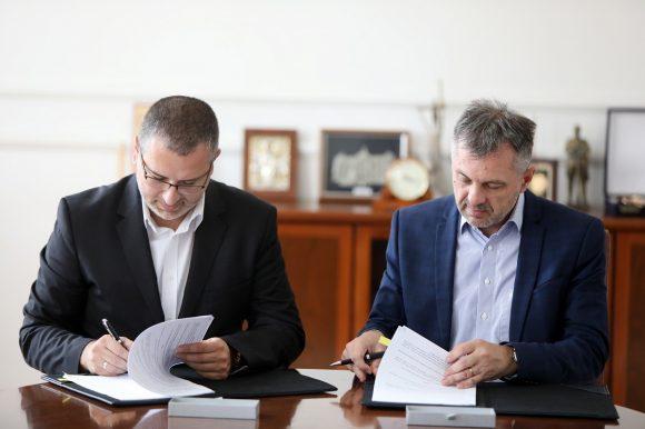 Потписан уговор: Почиње градња 14 километара водовода
