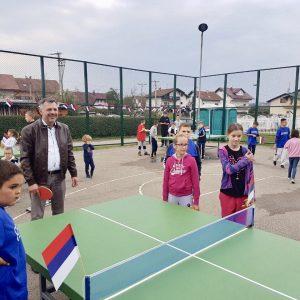Мјештани и Град обновили дјечије и спортско игралиште у Дервишима