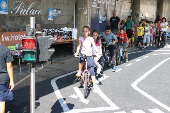 Evropska sedmica mobilnosti: Osnovci savladali saobraćajne propise