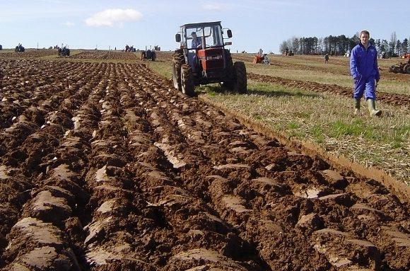 Субвенцију за побољшање квалитета земљишта добила 142 пољопривредника