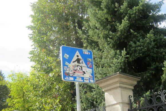 U prvih deset mjeseci uništeno više od 300 saobraćajnih znakova