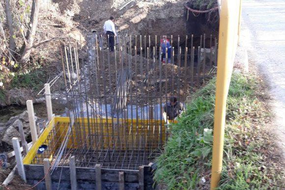 Драгочај: Почело проширење моста преко Иваштанке