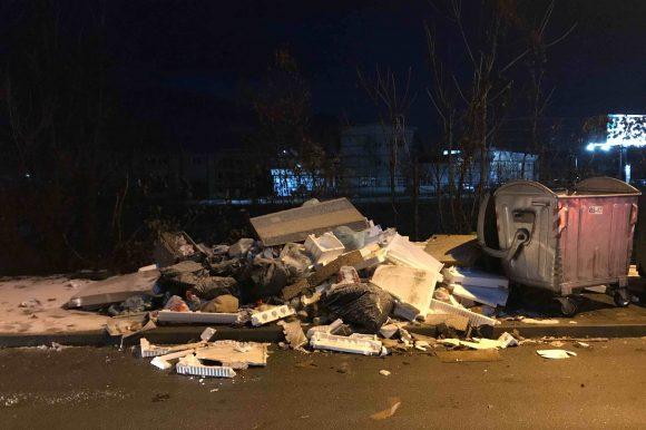 Грађани пријавили зачепљење сливника и непрописно одлагање отпада