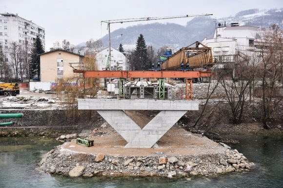 Зелени мост: Ускоро монтажа и петог носача између ријечног и десног обалног стуба