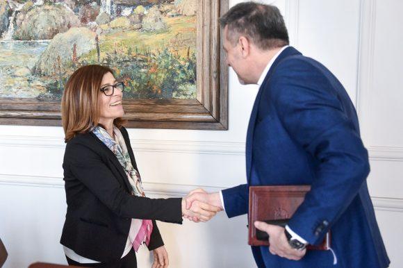 Радојичић са словеначком амбасадорком Букинац
