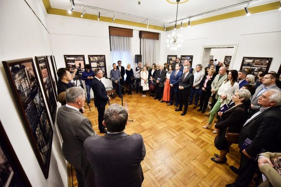 "Отворена изложба ""Бањалука центар Врбаске бановине"""
