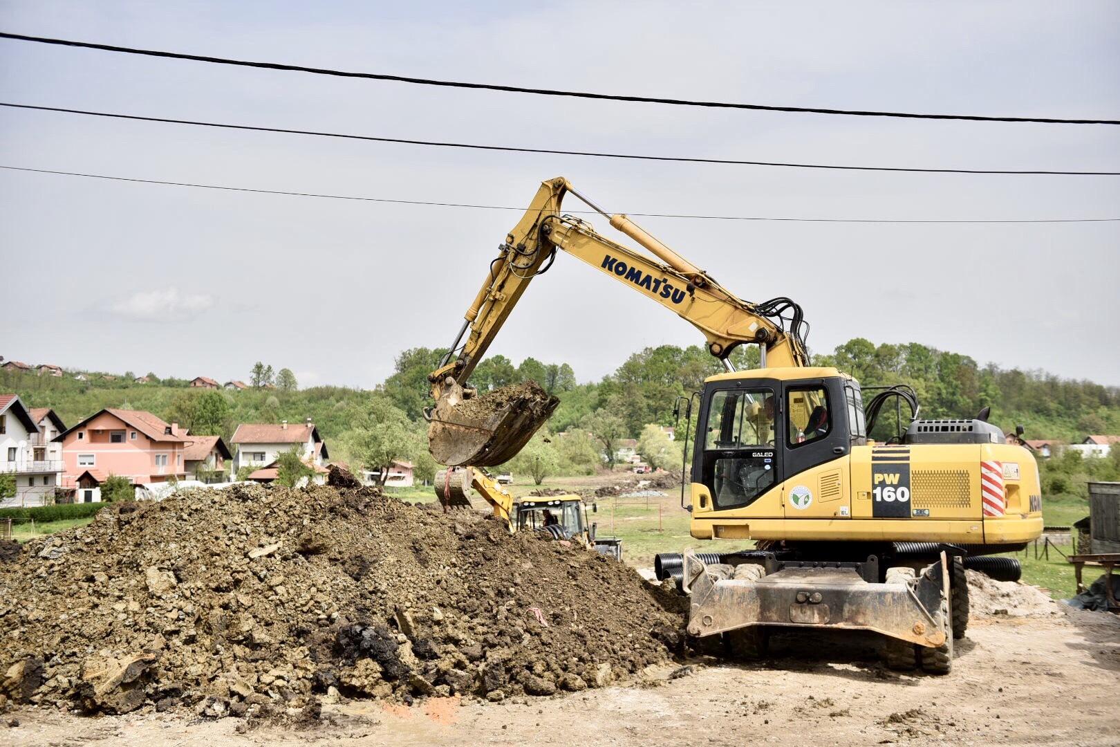 Интензивни радови на градњи пута према Мотикама