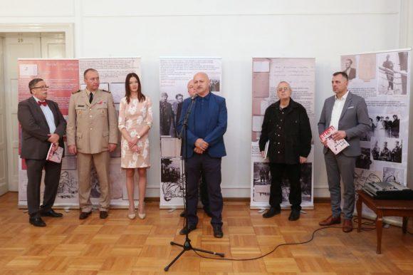 Отворена изложба докумената из фонда Слободана Пенезића Крцуна