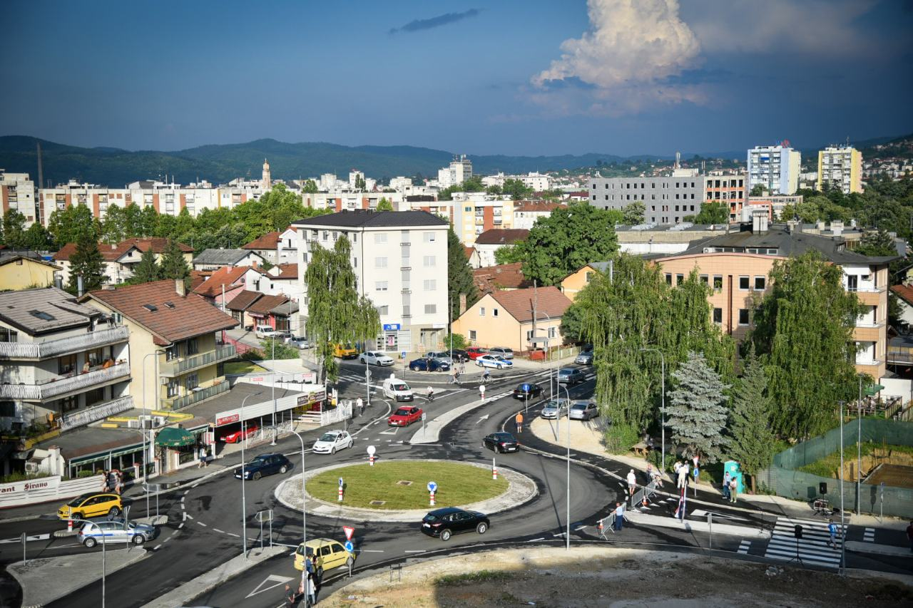 """""""Banja Luka se gradi"""": U funkciji nova kružna raskrsnica na Laušu"""