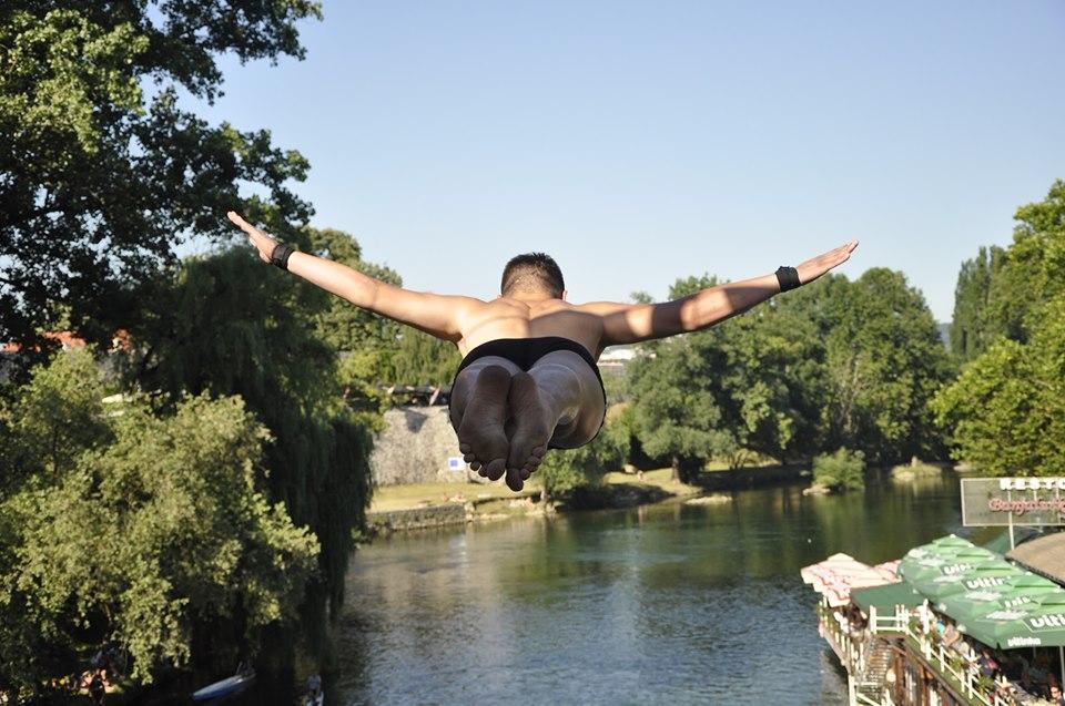 """""""Ljeto na Vrbasu"""": U nedjelju skokovi sa Gradskog mosta"""