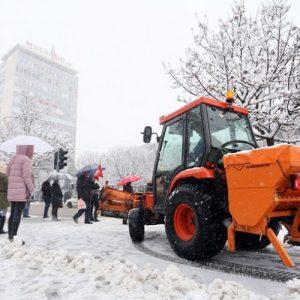 Осам предузећа чистиће снијег у зимској сезони