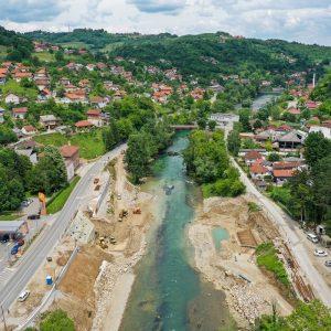 Топлице: Почела градња обалних стубова новог моста